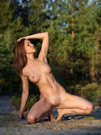 Jasmin Poses Naked Outdoors